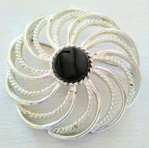 Large VTG Sarah Coventry Brooch